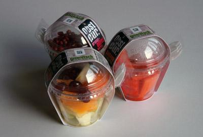 Früchte im Becher mit Klappgöffel